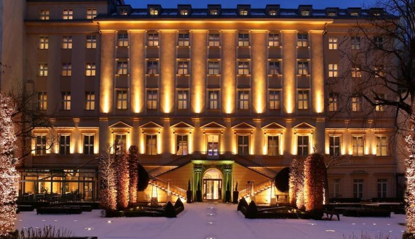 25476754-hotel-kempinski-hybernska-praha_w815h470a1c1bgcfff.jpg