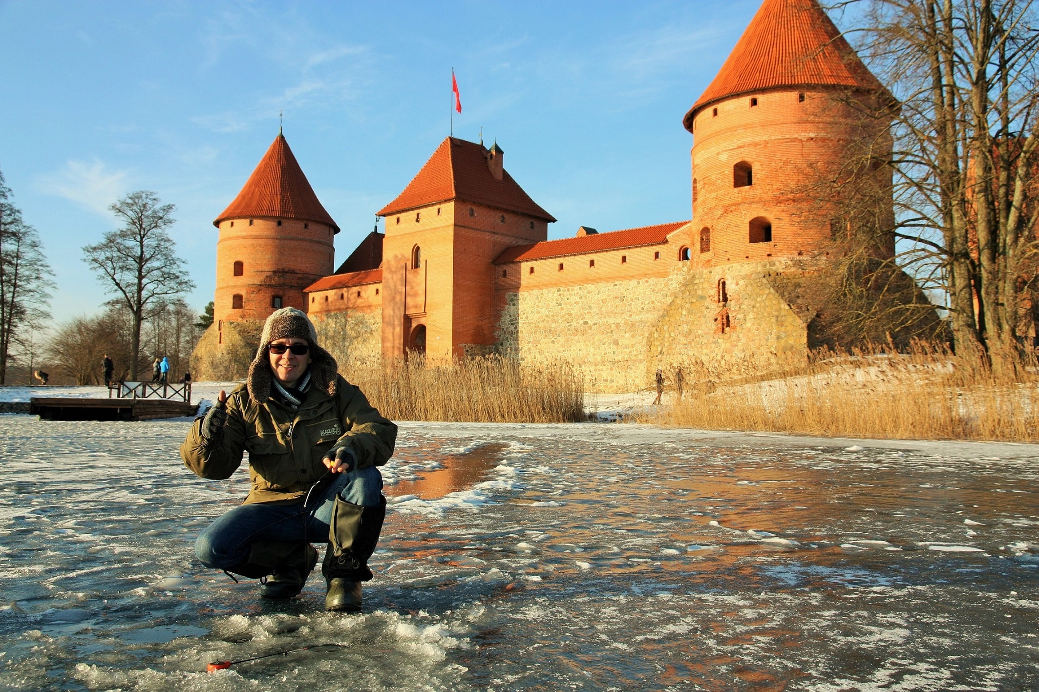 Ice-fishing-Trakai-3.jpg